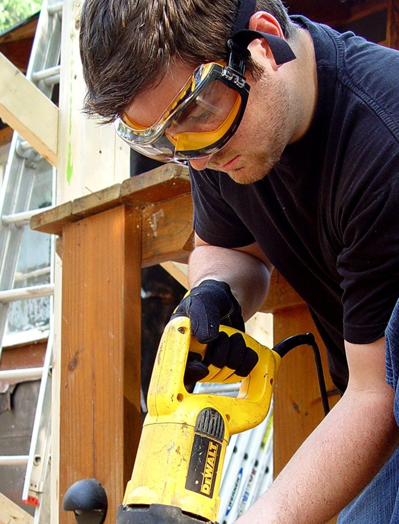 Man wearing Dewalt goggles
